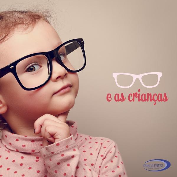 Como devem ser os óculos da criança?