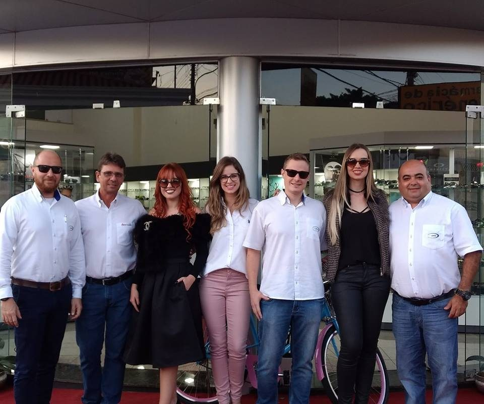 Equipe Qualylentes prestigiando a reinauguração da Ótica Barreto